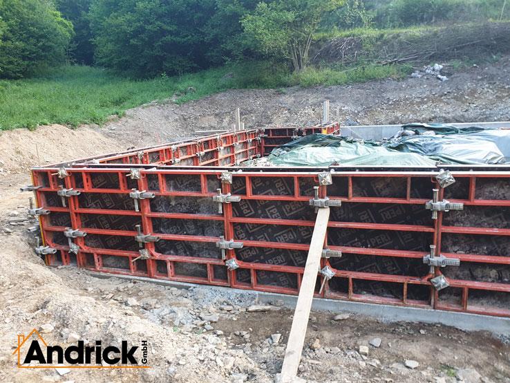 betonarbeiten-fundamente-ausgrabungsstaette-gebhardsseifen-2-738x554
